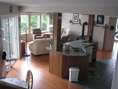 Nanoose Bay house rental - open concept living room, kitchen and dining room