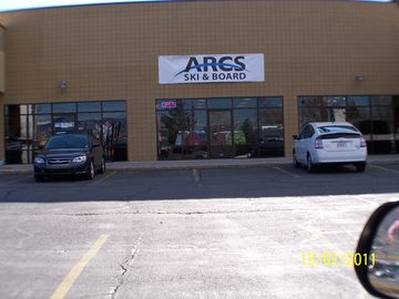 "ARCS ""Ski"" 'N See"" have the latest Skies, Bords, Rentals, Discount Lift Ticket"