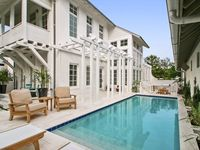 Classically Modern-Newly Refurbished-Fantastic Outdoor Courtyard/Pool/Kitchen