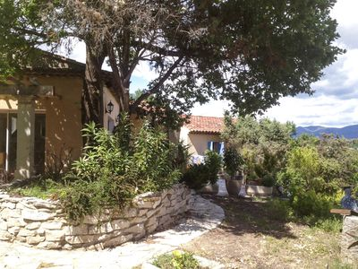 Villa with private pool and jacuzzi near Vaison la Romaine sleeps 6