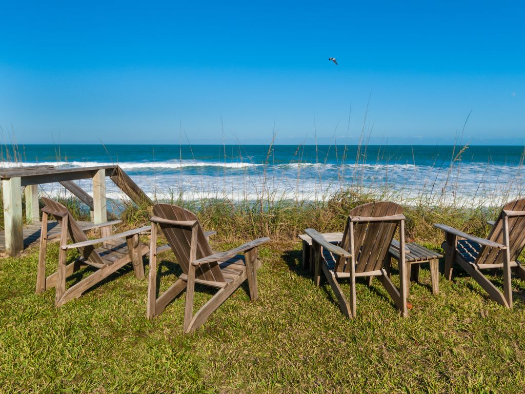 Private ocean front cottage paradise homeaway new for Beach front cottage