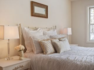 Woodstock house photo - Queen-size bed with luxury linens in master bedroom