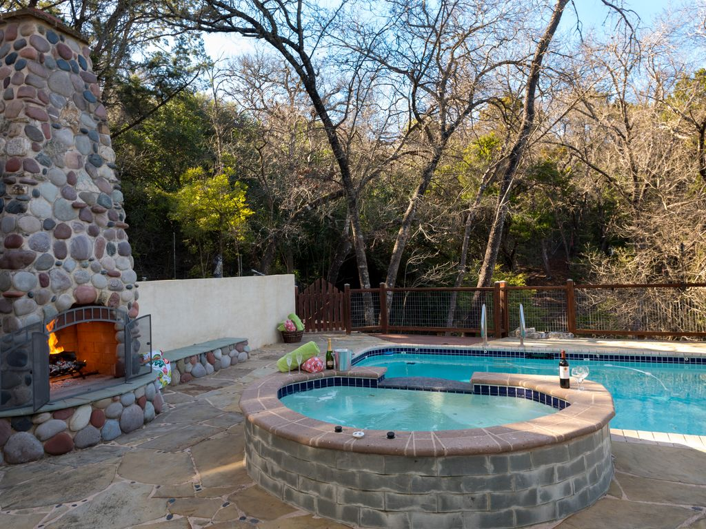 NEW LIST!~Discount to Book~IDEAL AREA~FarmHouse Suite~POOL/Spa/1.3Acres/FREEWifi