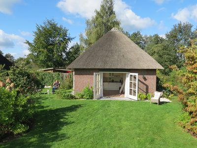 Centrally located thatched cottage in rural area - unit_1341532