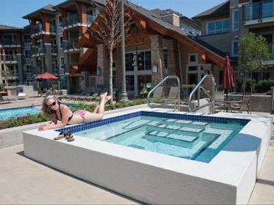 One of our 2 outdoor hot tubs at Waterscapes