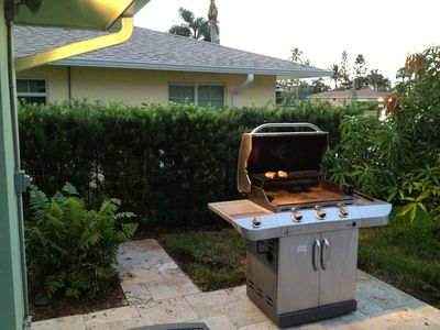 Three Burner Outdoor Gas Grill With Night Light