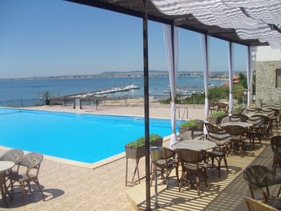 1 & 2 bed apartments in new complex with great pool and sea views