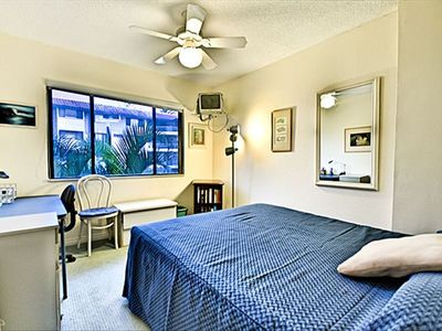 Kailua Kona condo rental - Second bedroom has a queen-sized bed and small office space!