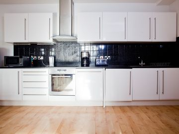 Flat 2 - Modern Kitchen with luxury granite top