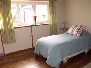 Pont-Aven cottage photo - Second Bedroom with 2 Twin beds–2rd floor (US)
