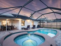 BRAND NEW!!! THE 101 - Luxury Upscale Vacation Home in the heart of Naples Park