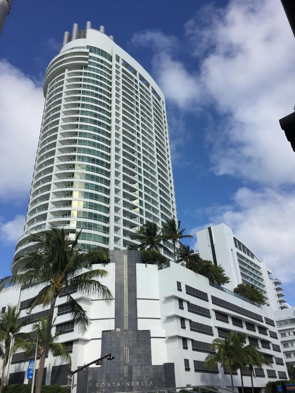 Gorgeous large corner 1br 2ba bay view apt vrbo - Cheap 2 bedroom suites in miami beach ...