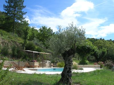Gite in a farmhouse in the countryside with pool. Nice view of Nyons