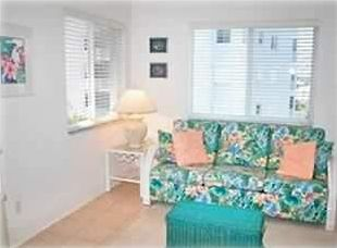 Fort Myers Beach condo rental - The den can be fully enclosed as a third bedroom