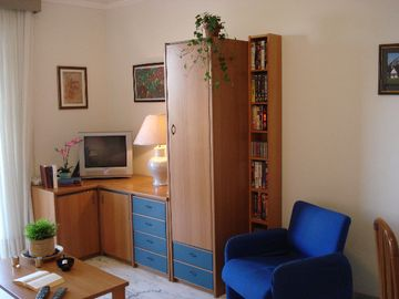 Monte Sacro apartment rental - Living Room with cabinets, TV and movie cassette library