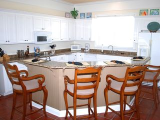 Gulf Shores house photo - Kitchen w/ space for multiple cooks, granite counters, undercounter icemaker