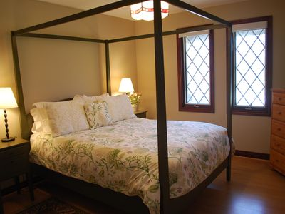 Queen Bedroom with Shaker bed and pine furnishings