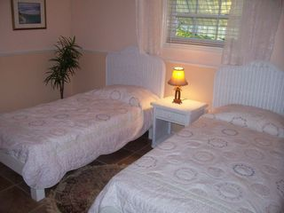 Great Exuma cottage photo - Guest bedroom #2 (2 single beds), ocean views