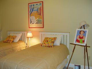 Pensacola Beach condo photo - Guest bedroom-two twin beds