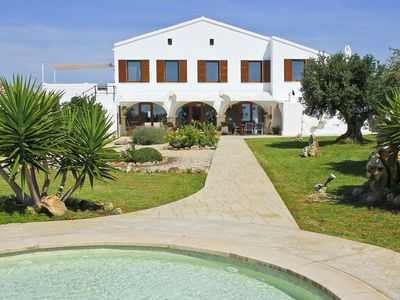 Charming country house with private pool located in a 110-hectare private estate