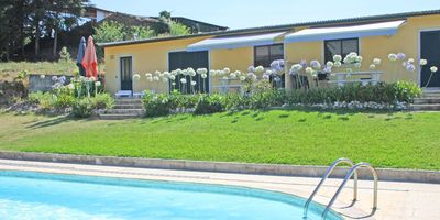 Self-catering chalet apartments with private salt water pool and gardens - Terracotta Chalet