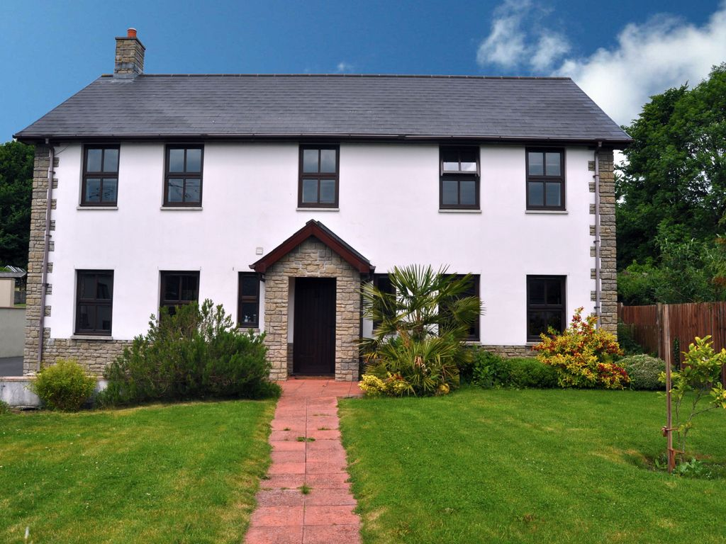 Dyffryn house large modern 6 bedroom luxury house in ancient coastal - Four bedroom houses great choice big families ...