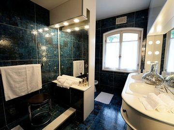 Four individually designed bathrooms