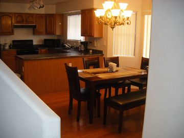 Glendale house rental - Kitchen and Dining room