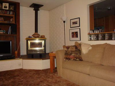 Cortez house rental - The comfortable living room, this couch pulls out to a nice queen bed.