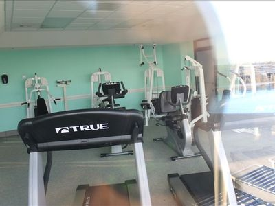 the work out room is enough to keep you in shape all new equipment