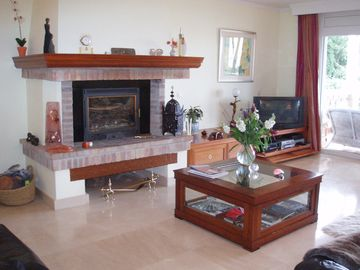 Sitting Room showing fireplace