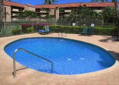 3 pools available in the complex