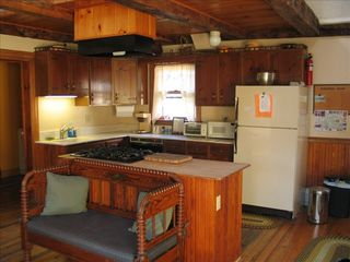 Lake Rescue farmhouse photo - Kitchen