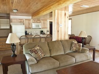 Macks Creek cabin photo - Living Room