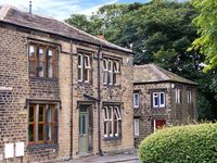 ONE SHARP LANE, country holiday cottage in Almondbury, Ref 29158