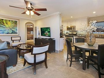 Balboa Peninsula condo rental - Living & Dining Area