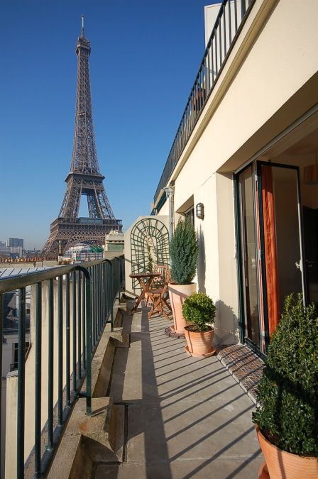 Paris apartment rental branly eiffel homeaway for Apartment in eiffel tower
