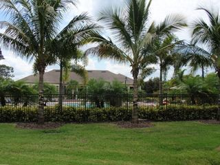 Lush Grounds in Lakewood Ranch