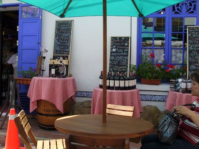 Great local restaurants & outside cafes