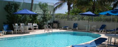South Beach apartment rental - The Condominium Pool and the Beach behind.