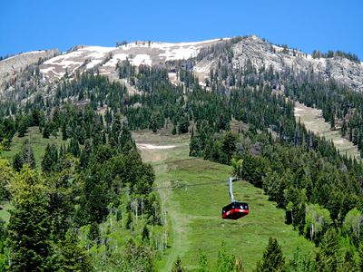 Aerial tram headed up the mountain