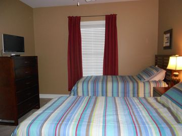 Bedroom 3, twin beds