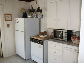 Mercer Island cottage photo - Another view of the kitchen.