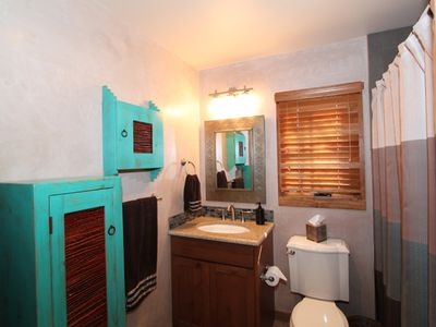 Santa Fe townhome rental - Master bathroom
