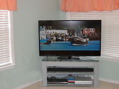 Gulf Shores Beach House: Den with 60 inch LED TV, Blu-ray, Sound Bar, DirecTV HD