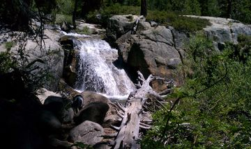 Beautiful back country hikes and wateralls within walking distance.