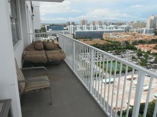 Aventura apartment photo - Imagine you on the bed watching the sunset
