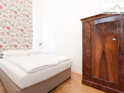 Budapest apartment rental - Grand Opera Apartment - Bedroom 2