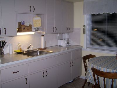 Kitchen with view of lake (photo #1)