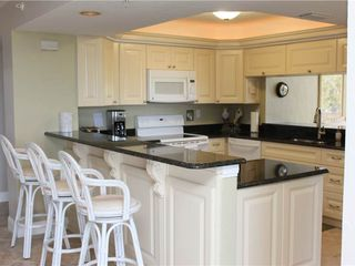 Fort Myers Beach condo photo - Kitchen